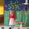 Teatrzyk,,Wróżki Pani Wiosny'w wykonaniu nauczycieli z Bajeczki