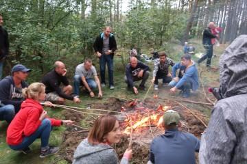 ' Płonie ognisko w lesie'