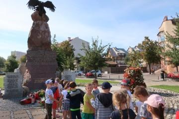 Spacer wolności – poznanie najważniejszych miejsc związanych z historią Ostrołęki