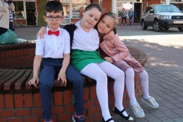 Amelka , Ola i Dominik na Przeglądzie Piosenki Przedszkolnej