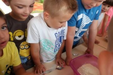 Pieczenie babeczek w gr. Misiów