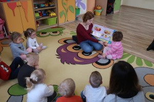 Rodzice czytają dzieciom - mama Amelki.