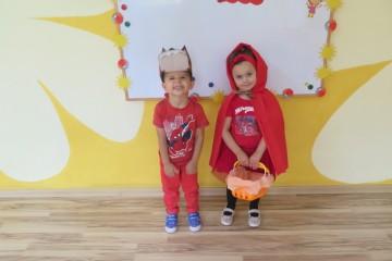 Dzień Czerwonego Kapturka – ubieramy się na czerwono, przypominamy bajkę o Czerwonym Kapturku