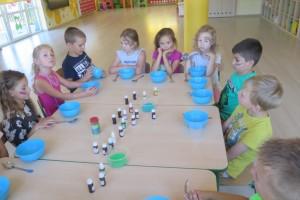 Warsztaty sensoryczne w gr. Kropeczek