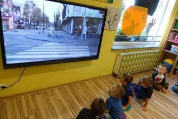 Bezpieczna droga do przedszkola -  prezentacja multimedialna lub terenowa na temat bezpieczeństwa