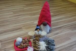 Świąteczny skrzat ze skarpety – tworzenie ozdób świątecznych