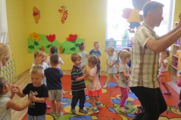 Zajęcia taneczne lekcja pokazowa w gr.Kropeczek, Misiów i tygrysków