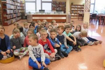 Dzień Książki - wycieczka do Biblioteki Pedagogicznej gr. Kropeczek i Misiów