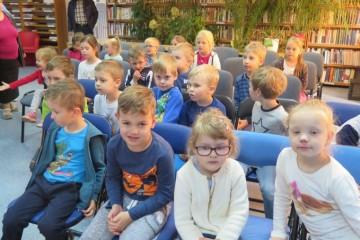 Teatrzyk 'Urwis' w Bibliotece Publicznej.