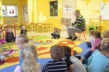 'Rodzice czytają dzieciom' tata Bartusia.
