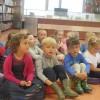 Teatrzyk kamishibai pt.,,Brzydkie kaczątko\'  w Bibliotece Pedagogicznej gr. Kwiatuszków
